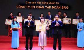 Chủ tịch Tập đoàn BRG, Madame Nguyễn Thị Nga được vinh danh