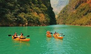 Đến Hà Giang nhất định phải chèo thuyền kayak sông Nho Quế