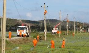 Tháng tri ân khách hàng: Điện lực miền Nam hướng về miền Trung