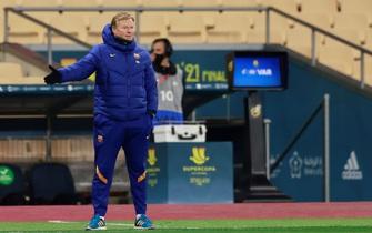 Barcelona sa thải HLV Ronald Koeman, chờ bổ nhiệm Xavi