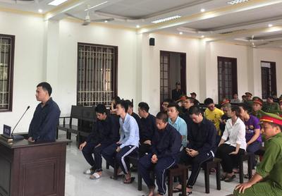 Cùng 14 thanh niên tàng trữ ma túy, một Việt kiều Canada bị trục xuất