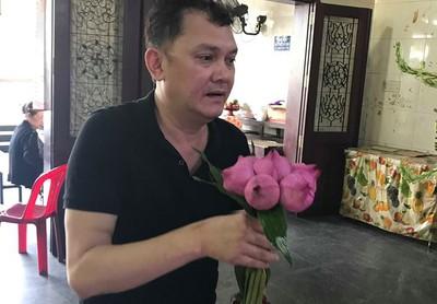 NSƯT Hữu Châu khóc thương nghệ sĩ Mai Lan