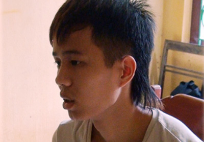 Đâm nam thanh niên trọng thương, bỏ trốn sang Trung Quốc