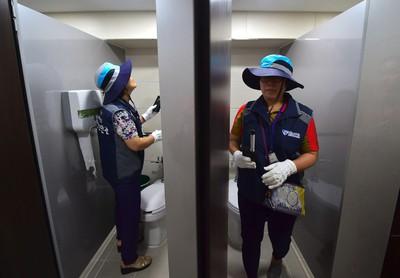 Hàn Quốc tăng cường kiểm tra nhà vệ sinh, bài trừ nạn quay lén