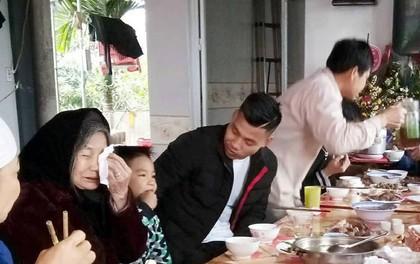 """Clip gia đình tuyển thủ U23 Việt Nam Văn Thanh sum vầy """"vui như Tết"""""""