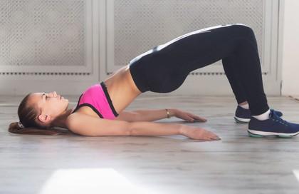 7 động tác đập tan cơn đau mỏi lưng chỉ trong 1 phút
