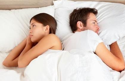 Hụt hẫng vì chồng mới cưới chê tôi không biết sex