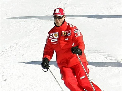 Chịu phẫu thuật lần hai, cựu tay đua Schumacher có dấu hiệu hồi tỉnh