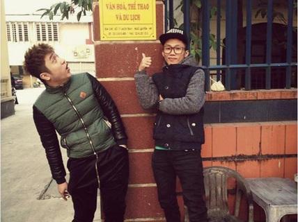 """Phớt bị phạt vì hát bậy, Mr. T và Yanbi vẫn tung ảnh """"tự sướng"""""""