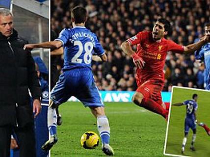 HLV Mourinho chọc quê Suarez ăn vạ bất thành