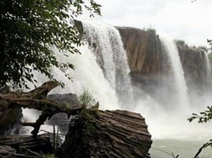 Chơi Tết thác Đray Nur, 2 thanh niên chết đuối