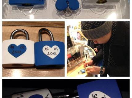 """Trấn Thành khoe ảnh """"khóa"""" tình yêu"""
