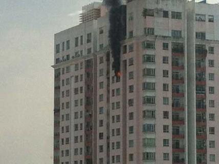 Cháy ở tầng 21 cao ốc Phúc Thịnh