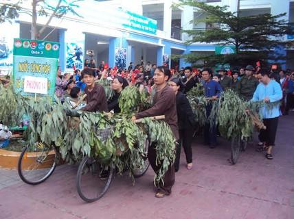 """Diễu hành """"Âm vang Điện Biên"""""""
