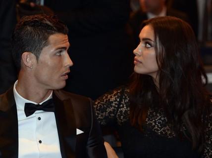 Quả bóng vàng: 3 đại diện VN đều không bầu cho Ronaldo