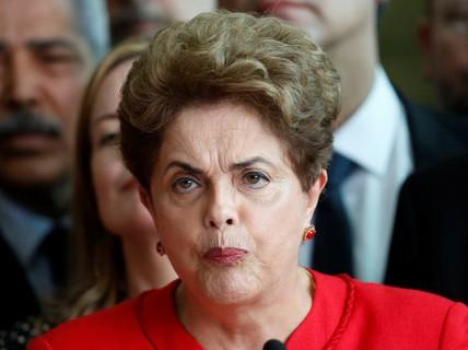 Bị miễn nhiệm, bà Rousseff cứng rắn đến phút cuối