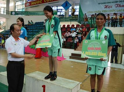 Hơn 300 CNVC-LĐ tham gia hội thao
