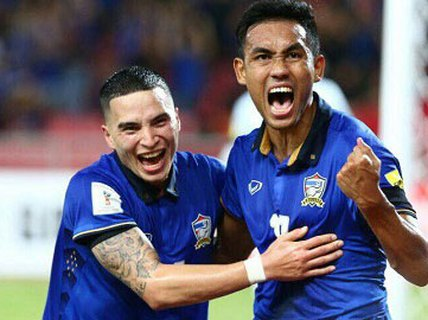 Thái Lan dạo chơi cũng vào chung kết