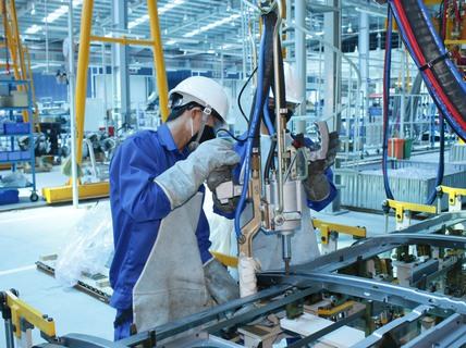 Lao động trong doanh nghiệp nhà nước đứng đầu bảng về thu nhập