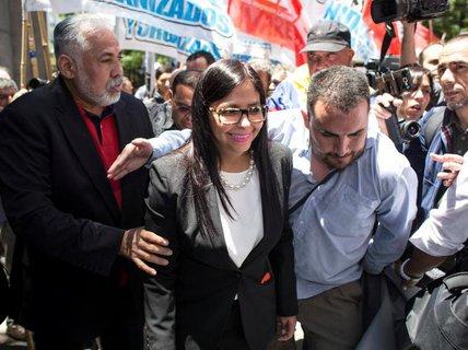 Không được mời họp, ngoại trưởng Venezuela gây rối ở Argentina