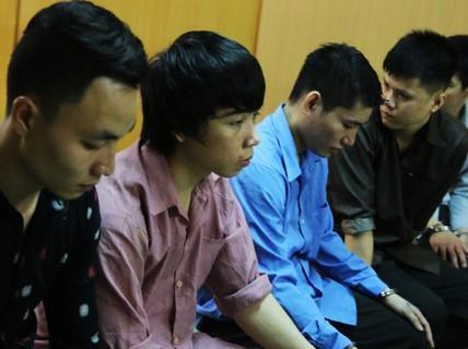 Đánh chết kẻ xin đểu, nhóm thanh niên trẻ hầu tòa
