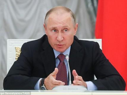 """Ông Putin lo sợ viễn cảnh robot """"ăn con người"""""""