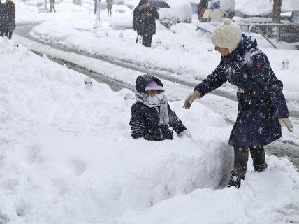Châu Âu lạnh cóng, hàng chục người thiệt mạng