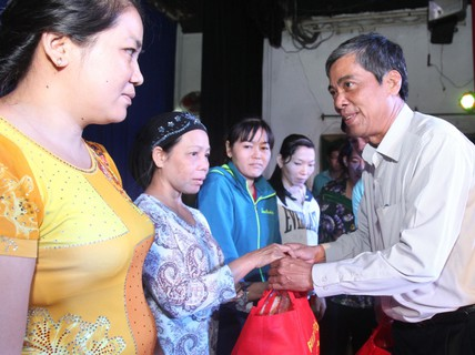 Chủ động tập hợp, chăm lo nữ công nhân