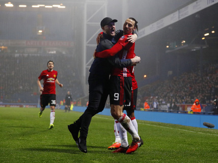 Ibrahimovic giúp M.U ngược dòng, vào tứ kết cúp FA