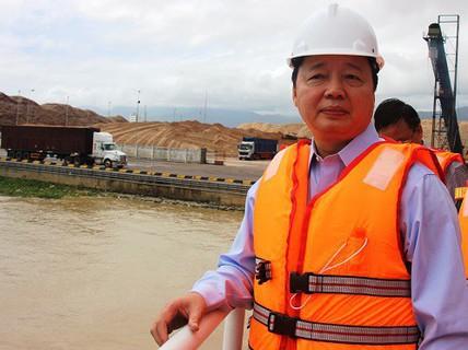 Bộ trưởng TN-MT lên tiếng về vụ nhận chìm bùn thải xuống biển Quy Nhơn