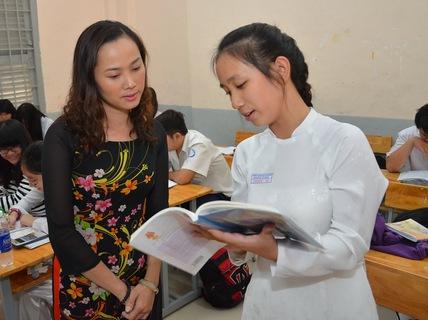 Thiếu SGK, giáo viên dạy tiếng Việt ở nước ngoài