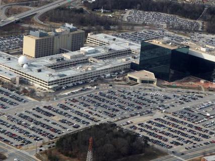 Mỹ: Cựu nhân viên NSA gốc Việt đối mặt 10 năm tù
