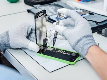 Apple sắp cấm các cửa hàng ở Việt Nam sửa iPhone, iPad?