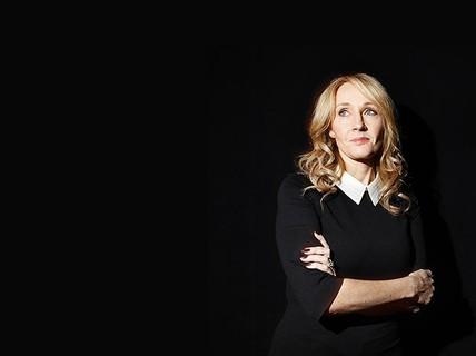 Tác giả của Harry Potter kiếm tiền vượt Coldplay và Adele