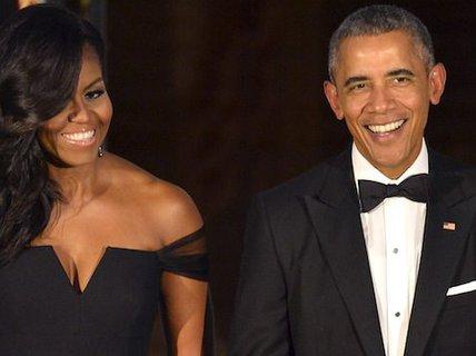 """Ông Obama """"mặc một bộ vest suốt 8 năm"""""""