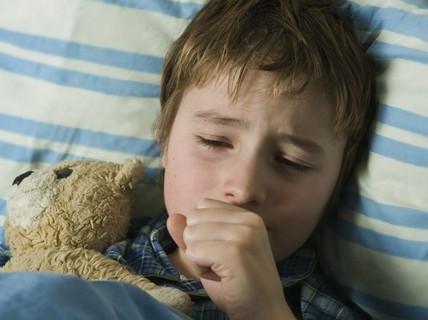 Làm sao tránh chứng sưng phổi chết người ở trẻ?