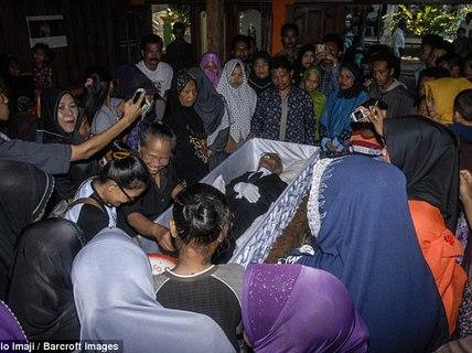 Người già nhất thế giới qua đời, sau cả 4 vợ và đàn con