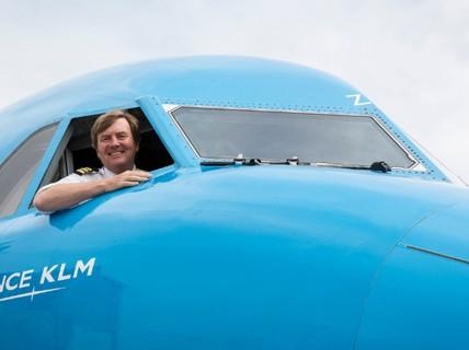 Vua Hà Lan bí mật lái máy bay chở khách suốt 21 năm
