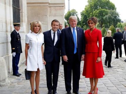 """Ông Donald Trump khen vợ Tổng thống Pháp """"căng tràn sức sống"""""""