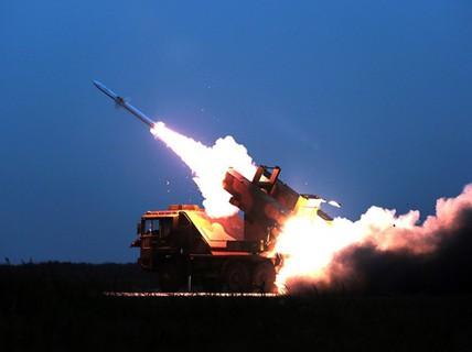"""Trung Quốc tập """"bắn hạ tên lửa"""" gần Triều Tiên"""