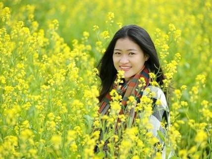 Đi chụp ảnh thôi, hoa cải đã nở vàng rực rỡ rồi kìa!