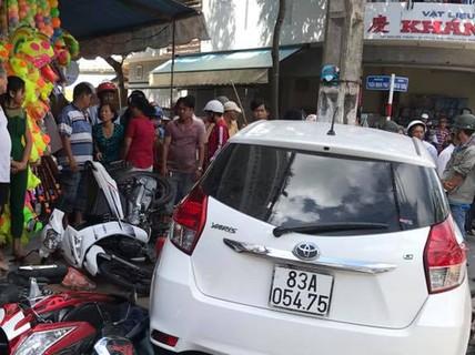 Ôtô vi phạm bị giữ vẫn chạy ra ngoài gây tai nạn hàng loạt?
