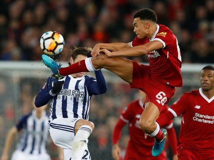 Liverpool thua sốc West Brom, dừng bước sớm FA Cup
