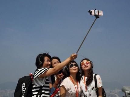 Đi du lịch: Người Việt sợ nhất mất điện thoại, khách quốc tế sợ mất ví