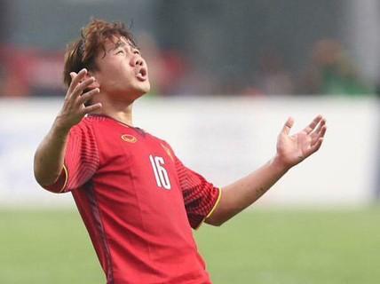 Vừa trở về, HLV Park Hang-seo đã gạch tên Minh Vương