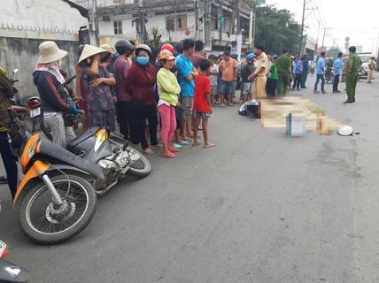 Người phụ nữ tử vong dưới bánh xe buýt sau va chạm với xe máy