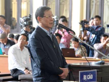 """""""Ông trùm"""" khai tặng, ông Phan Văn Vĩnh nói mua đồng hồ 1,1 tỉ bằng tiền bán cây cảnh"""