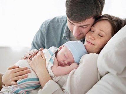 Được nghỉ tối đa 14 ngày khi vợ sinh con