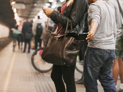 Mẹo tránh bị lừa tiền, mất cắp khi du lịch châu Âu