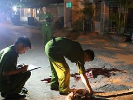 Mượn tiền giùm còn bị đánh, rút dao đâm chết người